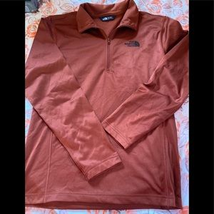 The North face Half Zip Pullover size Small